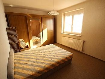 Ärzte ruhige Balkon - 230m² Zweifamilienhaus mit Pool in Köttmannsdorf