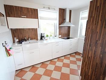 Außenanlagen Gästezimmer Stellplätze - Neuwertiges tolles 128m² Wohnhaus in Feldkirchen