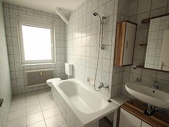 Wohnzimmer möblierte vermieten - 2 Zi - Wohnung in der Altstadt