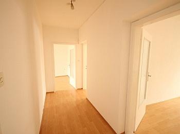 Schlafzimmer Parkplätze möblierte - 2 Zi - Wohnung in der Altstadt