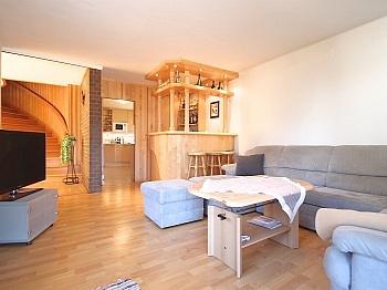 großzügiges zusätzliches überdachter - Großzügiges Wohnhaus in Döbriach/Millstätter See