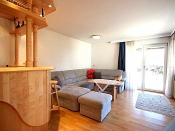 verfliest verglaste Garderobe - Großzügiges Wohnhaus in Döbriach/Millstätter See