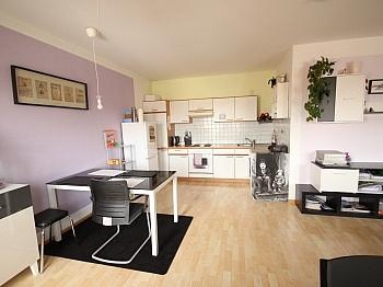 Loggia Küche Dusche - Schöne 2 Zimmer - Wohnung in Viktring