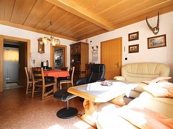 Einliegerwohnung anschließender Räumlichkeiten - Idyllisches Wohnhaus in Bleiberg-Kreuth