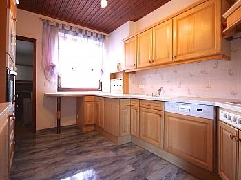 großzügige Garagenplatz Schlafzimmer - Heimelige Doppelhaushälfte in Ferlach