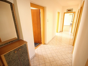 Raufaufteilung eingefriedetes Fliesenböden - Schönes 150m² Ein-Zweifamilienhaus - Waidmannsdorf