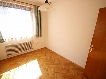 Eckbadewanne Abstellraum Stiegenhaus - Schönes 150m² Ein-Zweifamilienhaus - Waidmannsdorf