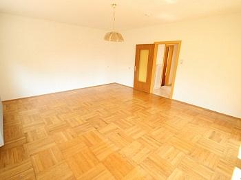 saniert Küchen Laminat - Schönes 150m² Ein-Zweifamilienhaus - Waidmannsdorf