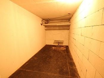Stock Platz Türe - Schöne 2 Zi - Wohnung in Viktring