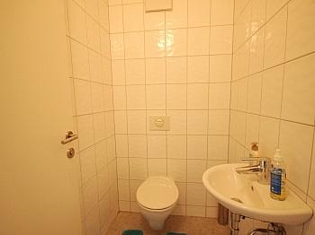 Vorraum eigener Heizung - 4 Zimmer-Whg. Waidmannsdorf in Top Zustand +Tiefg.