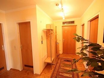 separates Reichlich Rücklage - Zentrale 3 Zi Whg. in Waidmannsdorf + Tiefgarage