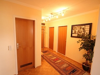 Reichlich verglaste Rücklage - Zentrale 3 Zi Whg. in Waidmannsdorf + Tiefgarage