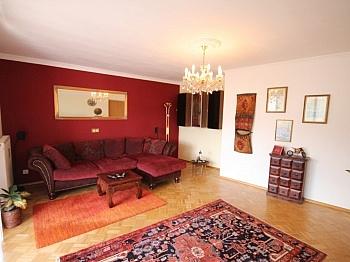 Wohnanlage Wohnzimmer Tiefgarage - Zentrale 3 Zi Whg. in Waidmannsdorf + Tiefgarage