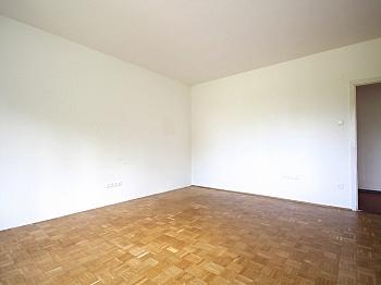 genügend Parteien Westlage - Zentrale 4-Zi-Wohnung in Unterwinklern/Velden