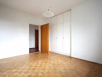 Zentrum Parkett sonnige - Zentrale 4-Zi-Wohnung in Unterwinklern/Velden