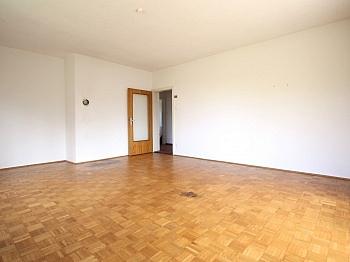Parkett sonnige Zentrum - Zentrale 4-Zi-Wohnung in Unterwinklern/Velden