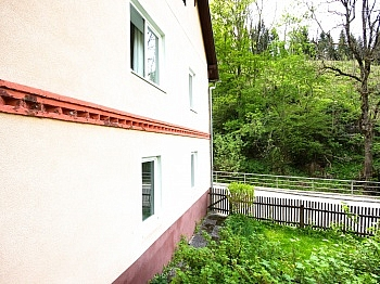 Erholungslage Infrastruktur Nebengebäude - Idyllisches Mehrfamilienwohnhaus in Lölling
