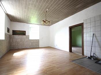 Ärzte Banken Nähe - Idyllisches Mehrfamilienwohnhaus in Lölling