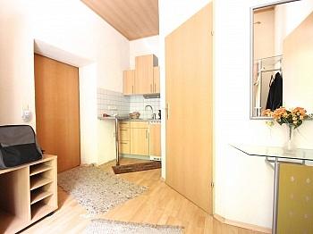 Hanglage ingesamt Terrasse - Idyllisches Mehrfamilienwohnhaus in Lölling