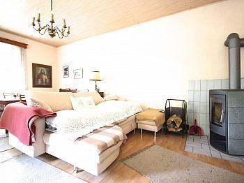 komplette teilweise vermietet - Idyllisches Mehrfamilienwohnhaus in Lölling