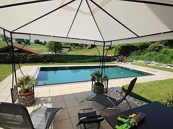 Vorraum Garage Dusche - 230m² Zweifamilienhaus mit Pool in Köttmannsdorf