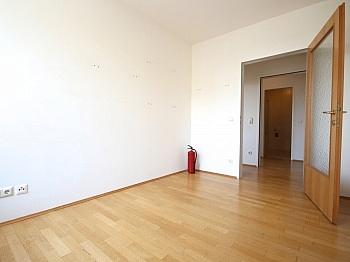 Mietpreis Geräten Westlage - 5-Zi-Whg. in der St.Veiter Straße inkl. Tiefgarage