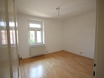 Vorraum Schöne Bindung - 74m² Mietwohnung in einer Villa, Gartenbenützung