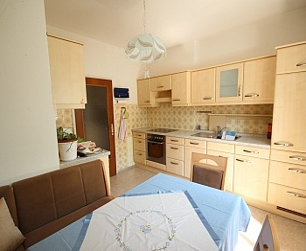 ausgerichtet Stellplätze Schlafzimmer -  3 - Zi-Wohnung in Waidmannsdorf