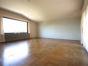 Teppich Schulen Parkett - Großzügiges Wohnhaus in Aussichtslage/Viktring