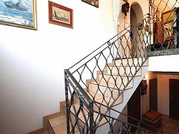 ausgerichtetes Altbaumbestand wunderschönem - Großzügiges Wohnhaus in Pörtschach/Wörthersee
