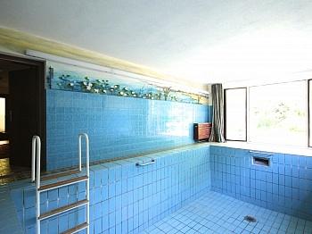 unmittelbarer Teppichböden Eingangshalle - Großzügiges Wohnhaus in Pörtschach/Wörthersee
