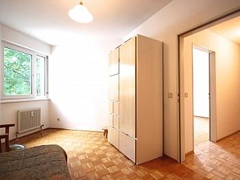Kunstofffenster Westausrichtung gebührenfreie - Zentrale 3-Zi-Wohnung in Feschnig/LKH Nähe