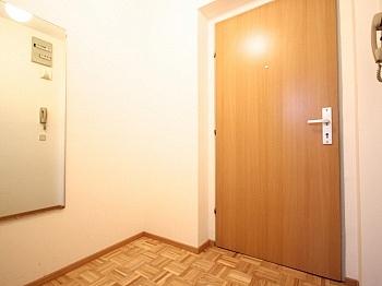 isoliert Geräten Ruhelage - Zentrale 3-Zi-Wohnung in Feschnig/LKH Nähe