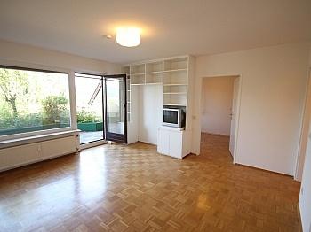 Westterrasse Stellplätze Schlafzimmer - Zwei Zimmer Waidmannsdorf + Tiefgarage