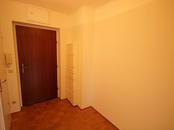 Zentrum wenigen Heizung - Zwei Zimmer Waidmannsdorf + Tiefgarage