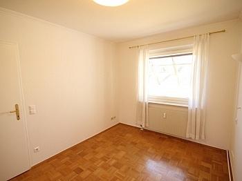 Wohnzimmer Tiefgarage Warmwasser - Zwei Zimmer Waidmannsdorf + Tiefgarage