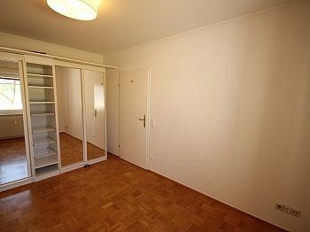 Strandbad Rücklage verglaste - Zwei Zimmer Waidmannsdorf + Tiefgarage