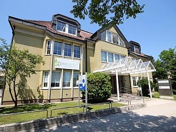 Warmwasser Mietobjekt Stellplatz - Schönes 90 m² Büro mit 73 m² großem Lagerraum
