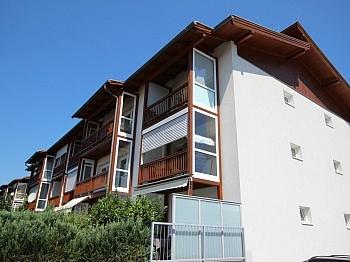 Schlafzimmer Kellerabteil Außenrollos - Junge 50m² 2 Zimmer Gartenwohnung am Stadtrand