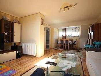 Elternschlafzimmer Kunststofffenster Fernwärmeanlage - Schöne sanierte 3 Zi Wohnung - St. Peter-Strasse