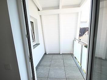 Siebenhügelstraße Bushaltestellen Einkaufsmärkte - Schöne 3 - Zi Wohnung in Waidmannsdorf auch für WG