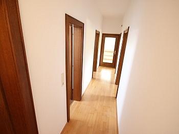 Stellplatz Wohnküche möblierte - 2 Zi Wohnung mit Gartenanteil und Sattnitzzugang