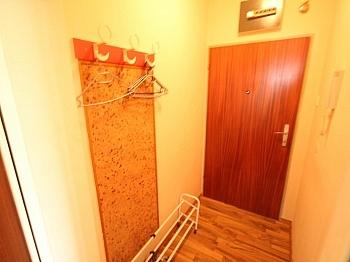 Westlage Vorraum kleines - 2 Zi Anlegerwohnung in Waidmannsdorf