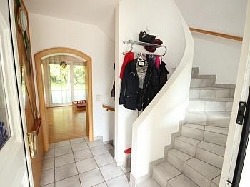 Schulzentrum vorbehalten Stiegenhaus - 250m² Villa+Pool und 3.321m² Grund+Betriebsgebäude