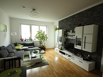 Küche Siebenhügelstraße Tiefgaragenplätze - Moderne 2 ZI - Wohnung in Waidmannsdorf