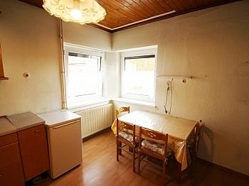 eingerichtete Nebengebäude Obergeschoß - Wohnhaus nahe XXXLutz Klagenfurt in ruhiger Lage