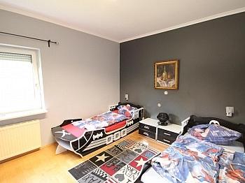 Waschraum Garderobe gepflegt - Schönes großes Haus mit Pool-Haus nahe Klagenfurt