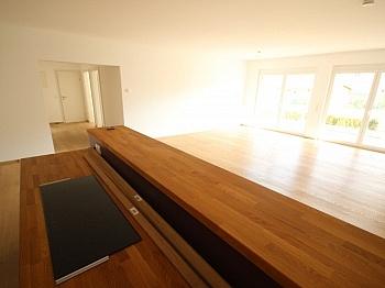 Terrassenhölzer Fußbodenheizung Terrassentüren - Tolle neue 133m² 4 Zi Gartenwohnung - 225m² Garten