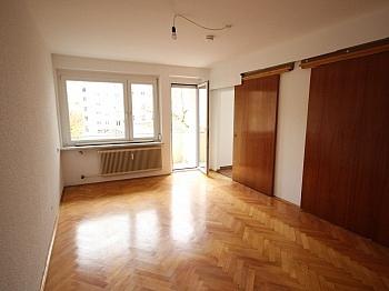 Abstellräume Kellerabteil ausgerichtet - Schöne 4,5 Zimmer Wohnung - zu Fuß in die Stadt