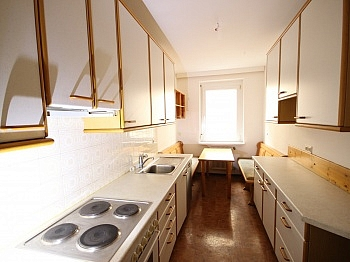 möblierte Wohnzimmer Wohnküche - Schöne 4,5 Zimmer Wohnung - zu Fuß in die Stadt